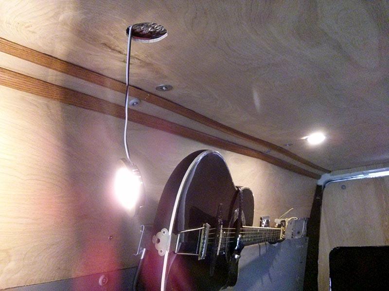 Van Conversion Wiring  1 000 Watt Solar System