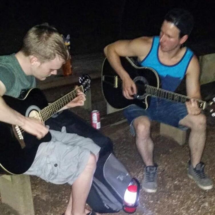 Joe_colt_guitar